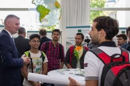 Gespräche mit indischen Studierenden beim bbw Internationalisierungstag