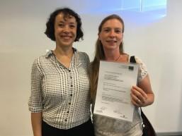 Projektleiterin Christiane Kratz mit Unternehmensvertreterin von YoYo-Jugendreisen - Transnationales Mobilitätsprojekt