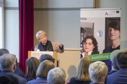 Kornelia Haugg, Abteilungsleiterin im BMBF bei ihrem Impulsreferat bei der Auftaktveranstaltung der KAUSA Servicestelle Brandenburg