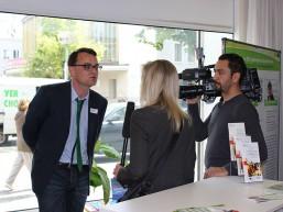 Interview - das Team von tv.berlin beim bbw Zuwanderungstag 2015