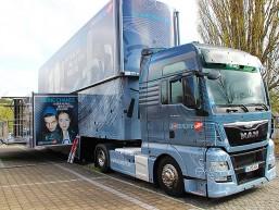 Der XXL-InfoTruck war das Highlight der bbw Berufsinformationstage vor dem Haus der Wirtschaft in Frankfurt (Oder)