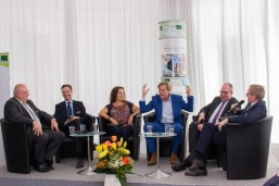 Podiumsdiskussion-mit-Dr-Hajo-Schumacher