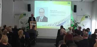Fachvortrag von Staatssekretär Henner Bunde vom Senat für Wissenschaft, Technologie und Forschung von Berlin auf dem bbw Wirtschaftstag