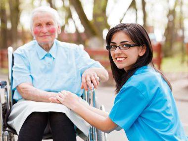 Altenpflege-Assistentin