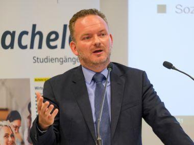 Dr. Sascha J. Flemnitz